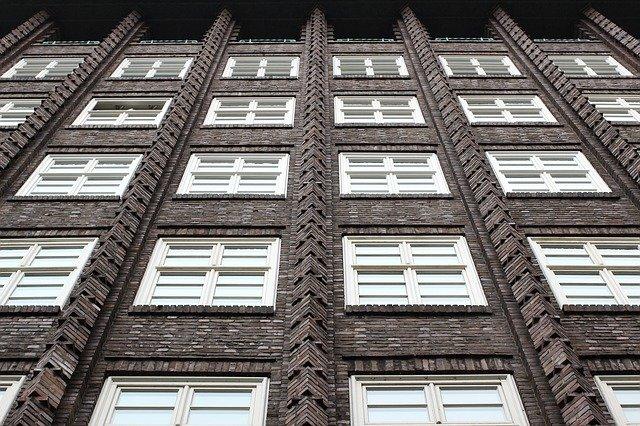 stovky oken