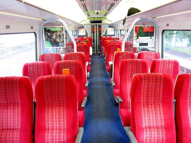 interiér moderního vlaku