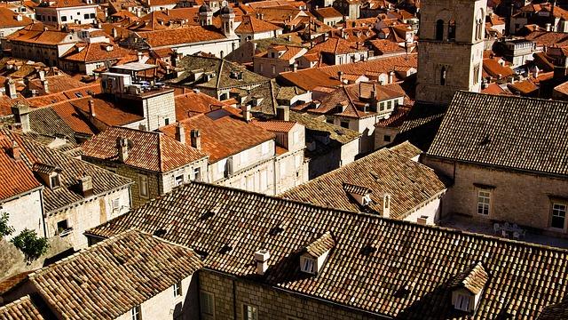 oranžové střechy