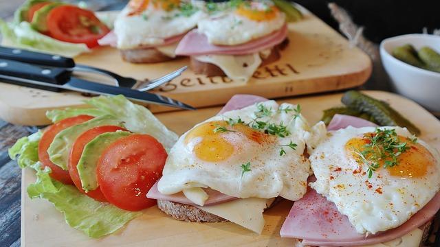 Proteiny v klasických potravinách