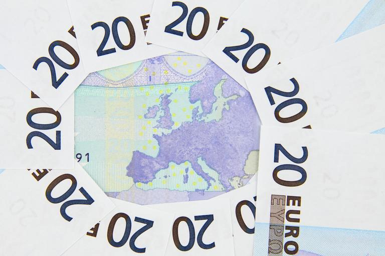 eura koláž