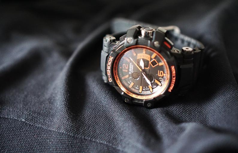 sportovní hodinky – Casio