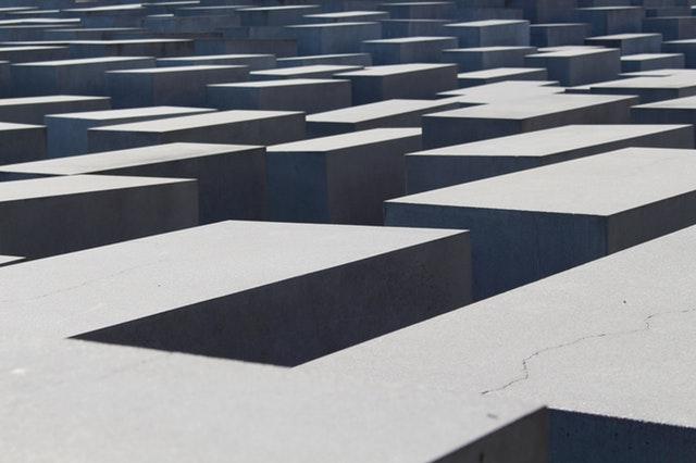 betonové kvádry, architektura